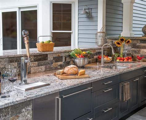 outdoor kitchen cabinets built   modular