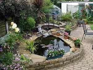 Outdoor gardening water feature backyard landscape for Backyard water features for small yards