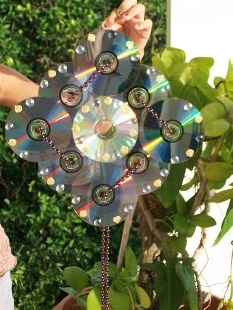 recycle  cds  piece  cd art decorating  cut