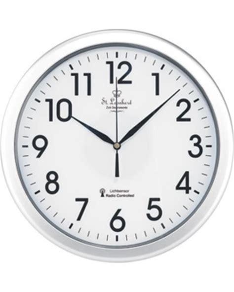 horloge murale radio pilotee avec date horloge murale avec chiffre et secondes led ou bleu pearl fr