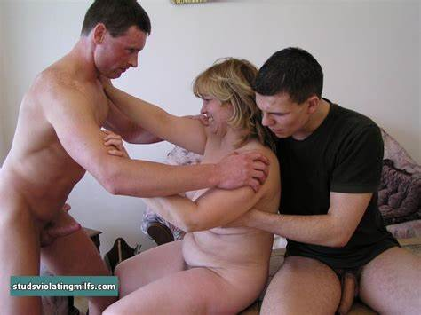 Mature Stud Gets Mommy And Boyfriends