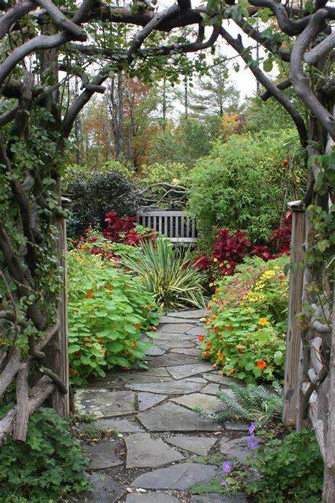 creative garden path ideas    easily