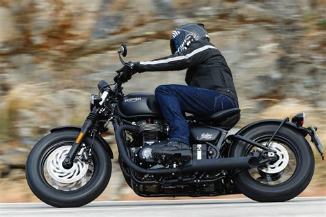 2018 Triumph Bonneville Bobber Black Review