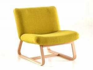 Fauteuil Jaune Ikea : les fauteuils aux pieds en bois cintr joli place ~ Teatrodelosmanantiales.com Idées de Décoration