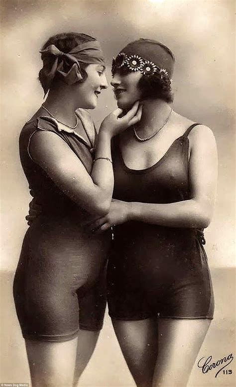 Th And Thcentury Lesbian Women Captured In Images Daily Mail Online