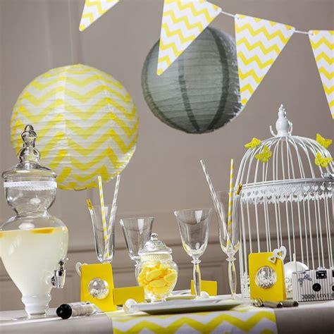 une d 233 co table jaune et grise pour votre f 234 te toute en harmonie au rendez vous des motifs