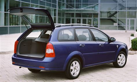 chevrolet lacetti station wagon   review