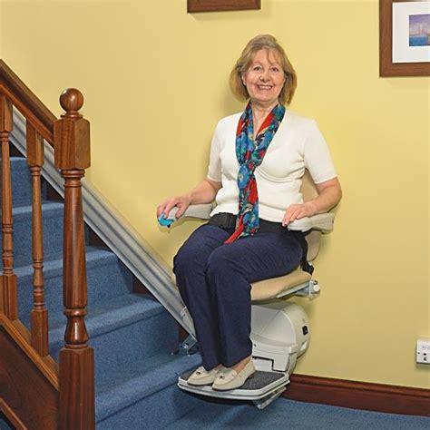 mal aux genoux quand je monte les escaliers mal aux genoux en montant les escaliers 28 images en ces temps pas faciles conseil de sages