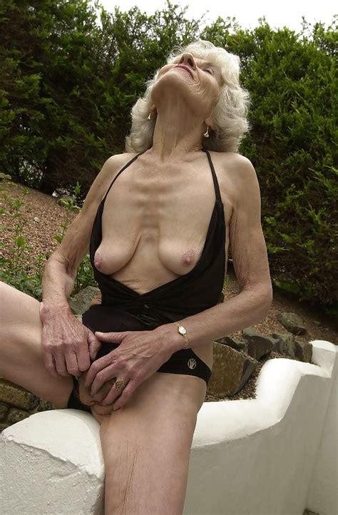 Hot Granny More Pics Please 23 Pics Xhamster