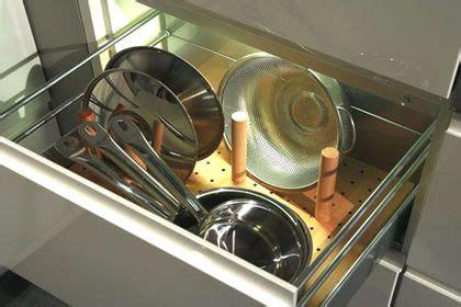 rangement vaisselle cuisine ranger la cuisine astuces et produits malins la