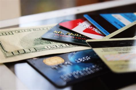 So what is the best cashback card for lump sum expenses? The Average American Has $5,897 in Credit Card Debt. Here ...
