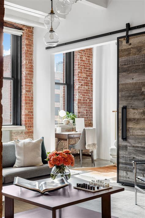 CNBC anchor Sara Eisen lists renovated, polished rustic
