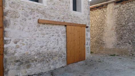 fabriquer porte coulissante suspendue fabriquer porte coulissante suspendue maison design bahbe