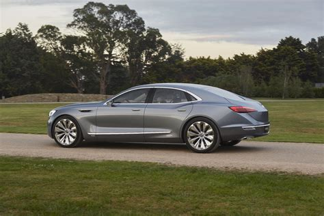 buick avenir concept has new buick grille new logo gm