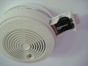 how to change a battery in a smoke alarm all smoke alarms need batteries diy doctor