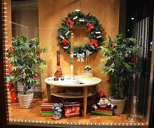 Festive holiday window displays in Toronto 2011