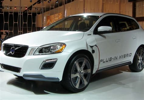 volvo  manufacture  electric  hybrid vehicles