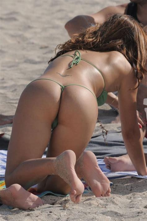 Voyeur Beach Girls In Bikinis