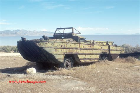 hibious vehicle duck dukw amphibious truck