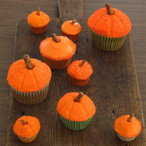 halooween cupcakes diy food decorating halloween cupcakes with your kids cre8tive compass magazine