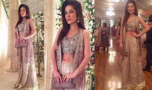 Actress Ayesha Omer Spotted at her Friend's Wedding ...