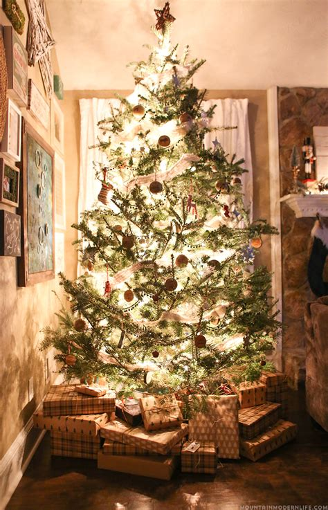 rustic christmas tree decorating ideas cozy christmas home decor mountain modern 8591