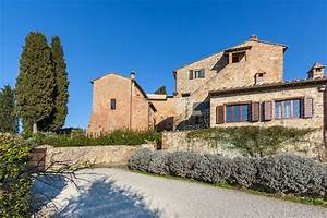 apartments in restored tuscan farmhouse
