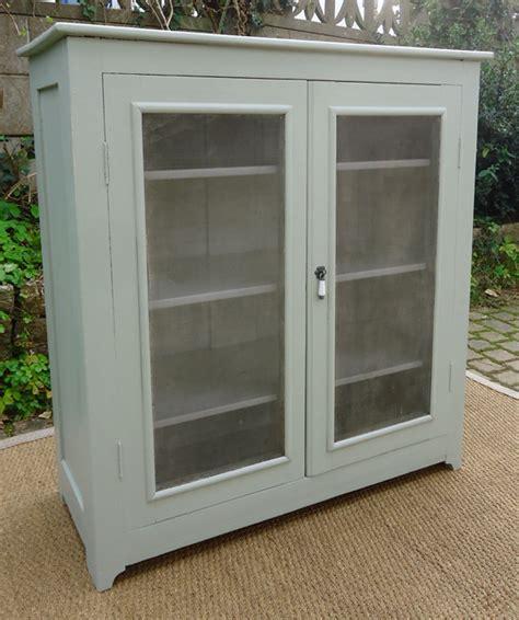 bouton porte de cuisine meuble garde manger ancien portes grillagées