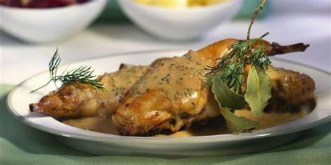 cuisiner le lapin à la moutarde lapin à la moutarde recettes femme actuelle