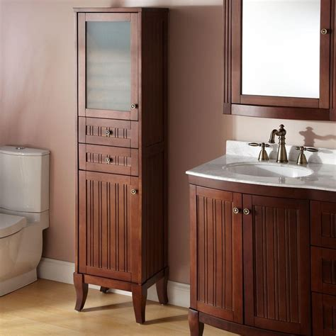 Shallow Bathroom Cabinet by Best 25 Bathroom Linen Cabinet Ideas On