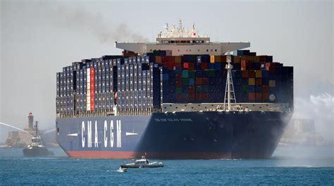 a bord du quot jules verne quot le plus grand porte conteneurs du monde