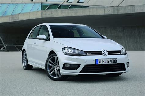 volkswagen r line new volkswagen golf r line revealed autoevolution
