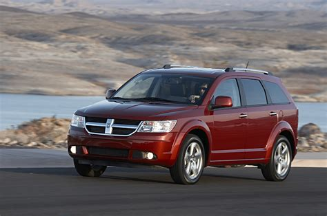all new 2009 dodge journey crossover wins ward s quot clever