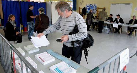 les bureaux de vote en images un tour dans les bureaux de vote à bayonne