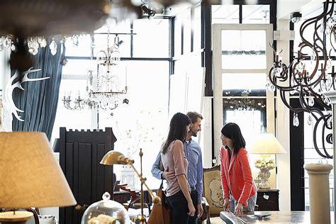 run  successful furniture retail store