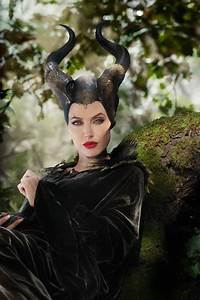 Angelina Talks About How Awesome Maleficent Is – Ani & Izzy