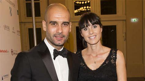 Scegli tra immagini premium su josep guardiola family della migliore qualità. Meet Pep Guardiola's wife! Stylish WAG more than compensates for new City manager's follicle ...