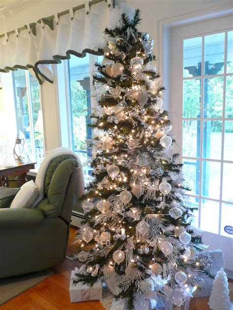 decorating a white christmas tree ideas 42 christmas tree decorating ideas you should take in consideration this year