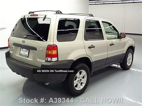 ford escape xlt    roof rack alloy wheels