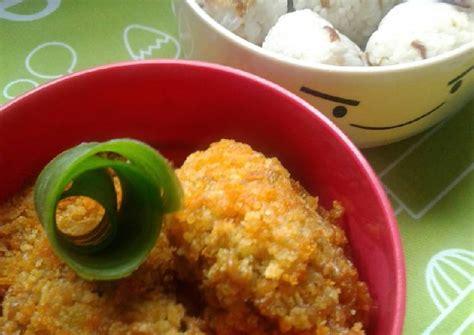 Dalam pembuatan nugget ayam rumahan biasanya dicampur dengan wortel, hal tersebut biasa disebut resep nugget ayam ncc.artinya adalah nugget chicken carrot, nugget ayam rumahan yang dicampur dengan wortel karena memang pembuatannya menggunakan wortel. Resep Nugget Mie & Nasi Kepal Bekal Anak oleh Susanti Maris - Cookpad