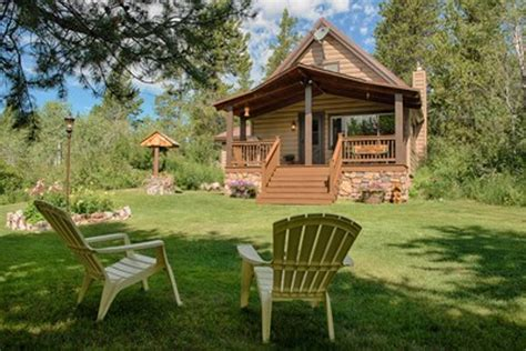yellowstone national park cabins yellowstone cabin vacation rental cabins for rent