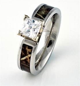 82 best rings and bling images on pinterest wedding With camouflage diamond wedding rings