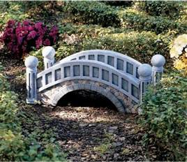 18 small and beautiful tale garden bridges