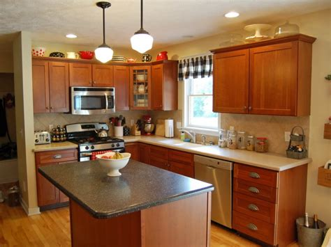 cherry wood cabinets with white granite what color paint
