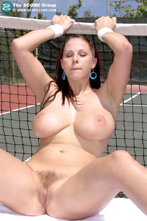 Gianna Michaels Plays Some Tennis Pichunter