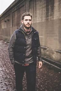 ärmellose Jacke Herren : dunkelblaue rmellose jacke grauer pullover mit einer weiten rollkragen rotes langarmhemd mit ~ Buech-reservation.com Haus und Dekorationen