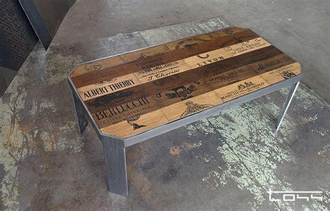 cassette di legno per vini tavolino di legno di cassette di vini di svariate cantine