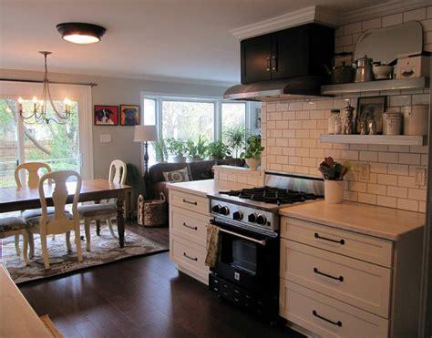 joyces black white kitchen hooked  houses