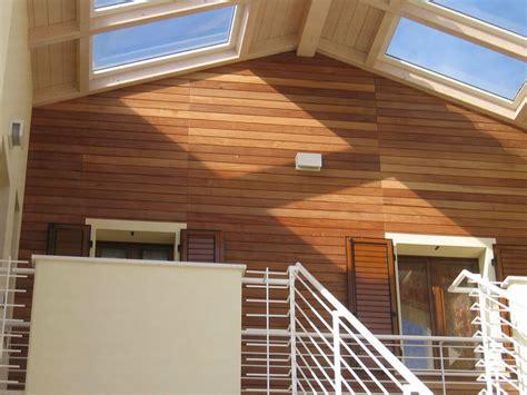 rivestimento in legno per pareti esterne pannello in legno per facciate rivestimenti ravaioli legnami