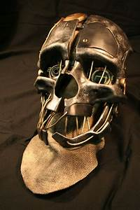 An Exquisite Replica Of Corvo's Mask From Dishonored ...